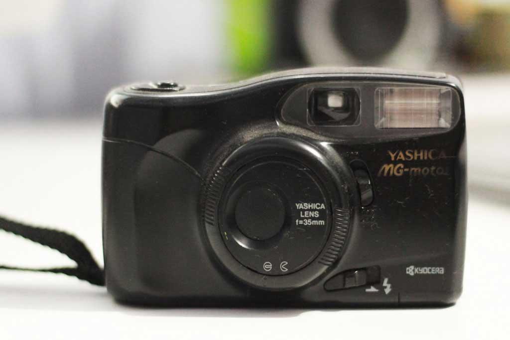 Câmera analógica Yashica