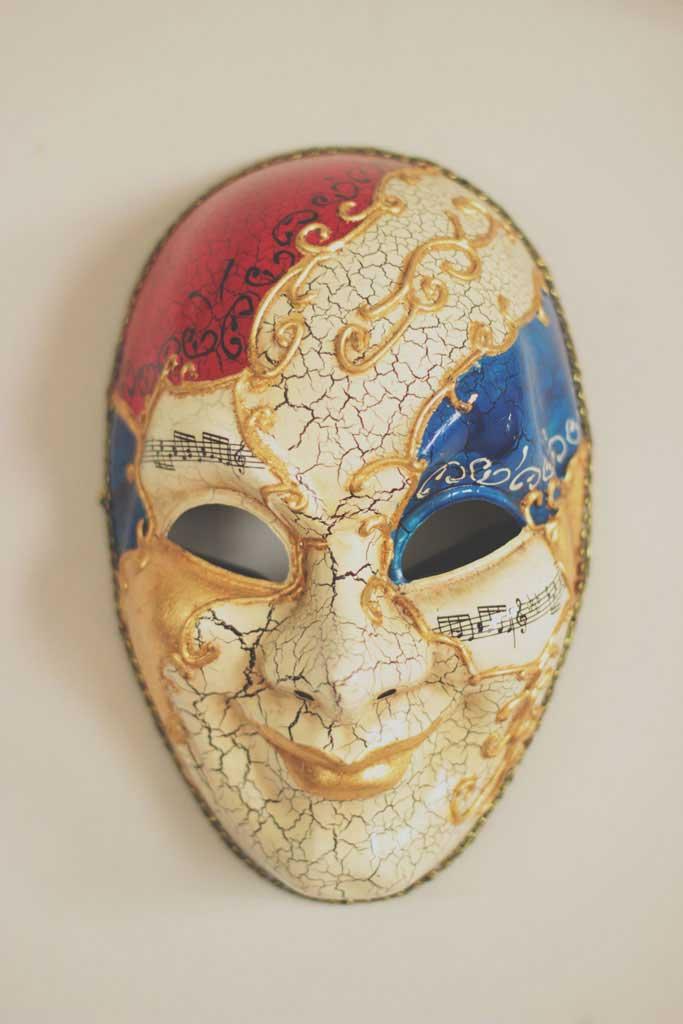 Máscara veneziana para decoração de ambientes