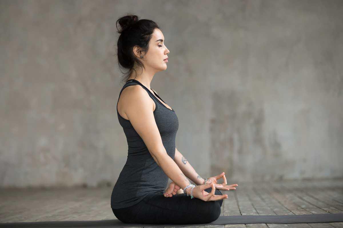 exercícios de yoga contra enxaqueca